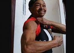 Ladrão invade casa e leva surra de idosa de 82 anos