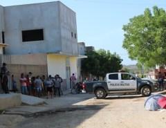Mulher é morta a tiros na calçada de casa no Oeste potiguar