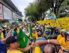 Em Natal, natalenses lotam arredores do Midway Mall em ato público a favor de Jair Bolsonaro