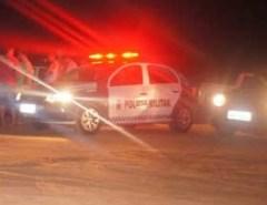 PM prende cerca de 50 pessoas por descumprir Decreto contra COVID-19 na praia de Santa Rita, em Extremoz