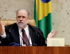 Jurista Modesto Carvalhosa protocola pedido de impeachment de Augusto Aras