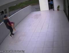 Imagens: Lateral do Náutico faz parto da própria filha em saguão de prédio em PE