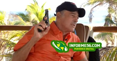 Andrés García dispara su arma («¡pum, pum, pum!») en medio de una entrevista