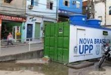Foto de Tráfico ataca UPP no Alemão (CV)
