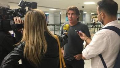 """Foto de Sá Pinto mostra surpresa com salários atrasados no Vasco: """"Ninguém me falou em uma situação tão grave"""""""