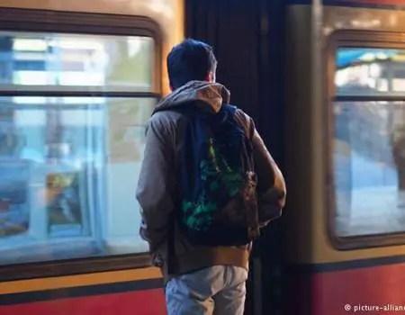 Alarmi në Itali/ Qindra shqiptarë braktisin fëmijët në rrugët tona