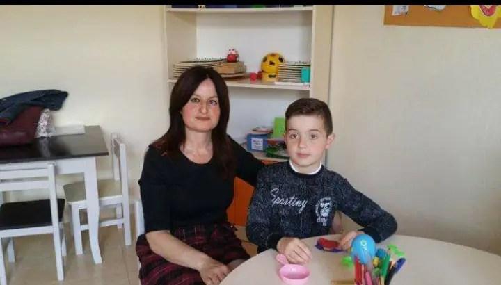 Leandro, 7-vjeçari që mposhti autizmin në Elbasan