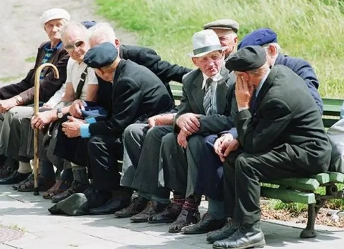 Alarmante: Shqipëria drejt plakjes?INSTAT: 19 mijë të rinj largohen,shtohen 11 mijë pleq