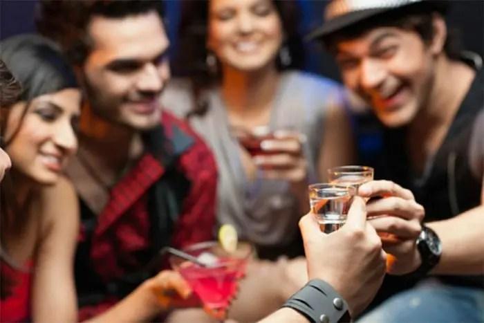 Studimi, një në 4 fëmijë ka provuar alkoolin dhe cigaren…