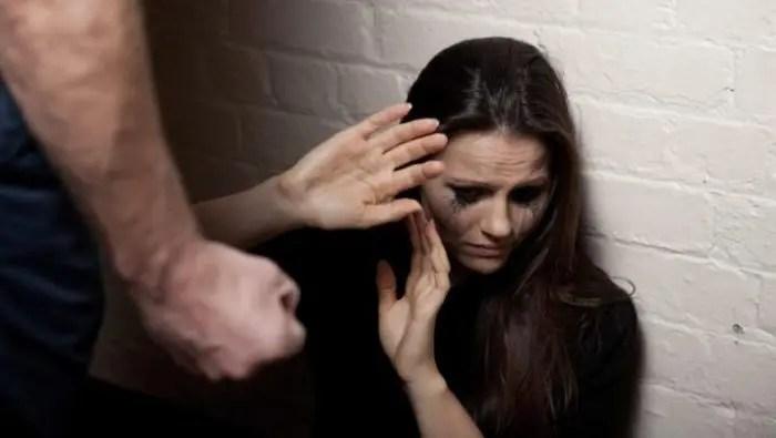 INSTAT/ 1 në 2 gra shqiptare ka përjetuar një lloj dhune në jetë
