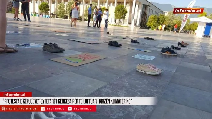"""""""Protesta e Këpucëve"""" qytetarët kërkesa për të luftuar 'krizën klimaterike'"""