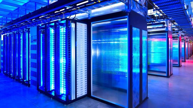 Watch_The_Inside_Of_A_Google_Data_Center__It_Is_Magic_In_Action_1842073614