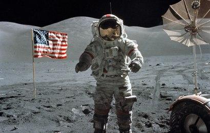 Info Santai: Manusia Terakhir yang Mengelilingi Bulan.
