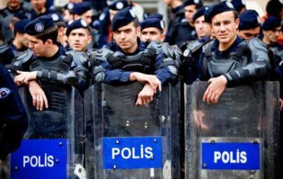 "Info Santai: Polis Mengetuk ""Pintu"""