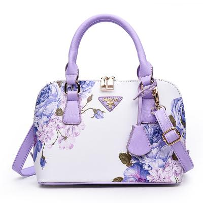 tas tangan untuk ibu