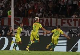NOTICIAS ARGENTINAS BAIRES, FEBRERO 29: Juan Lucero de Defensa y Justicia festeja el gol ante River, valido por la 22° fecha de la Superliga. FOTO NA: MARIANO SANCHEZ