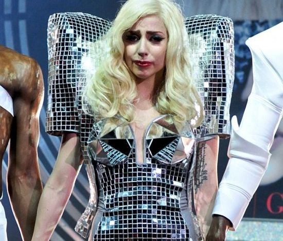 Photo of Lady Gaga Gets Concussion During Show – But Continues Performing!