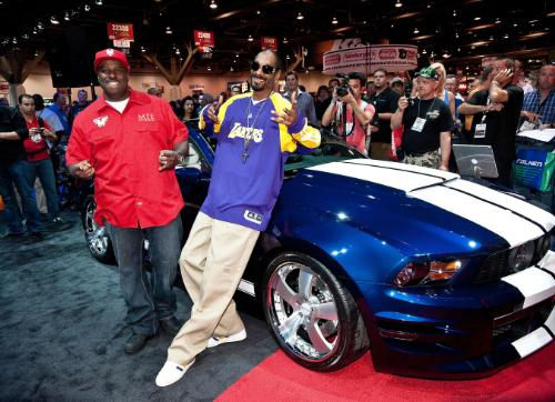 Funkmaster Flex and Snoop Shows Off Tricked Out Mustang  1