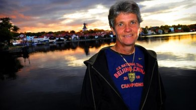 Photo of Pia Sundhage Encourages Her Team