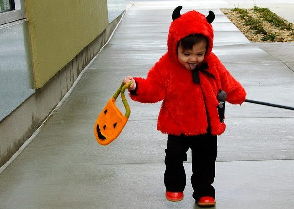 Halloween trick or treater