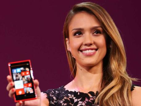 Photo of The New Windows Phone 8: Jessica Likes It – Do You?
