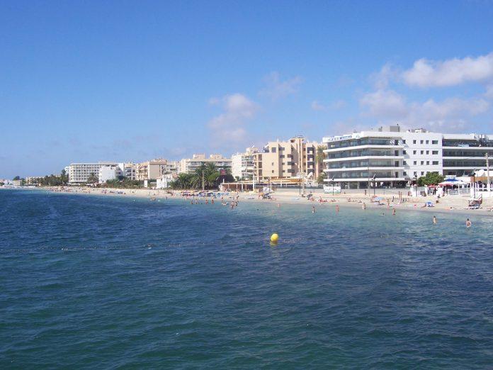 Ibiza airport transfers - Playe D'En Bossa