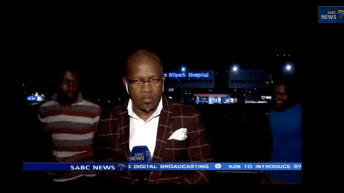 Reporter Gets Mugged WHILE On The Air [video] 1