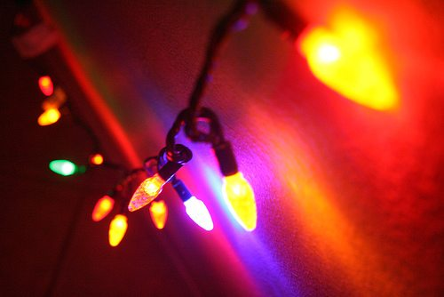 Photo of Battle of the Bulb: LED vs. Incandescent Christmas Lights