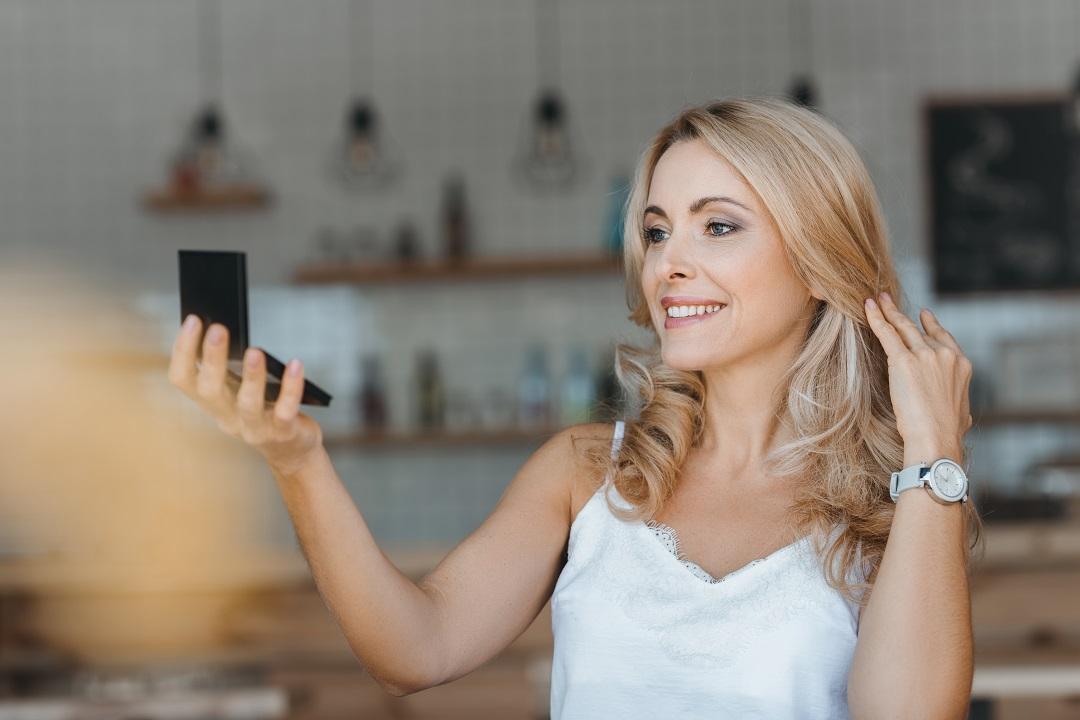 Top 8 Haircut Ideas For Women In Their 40s 6