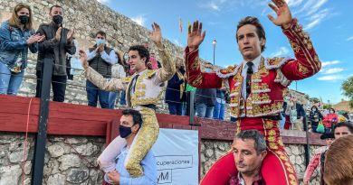 Víctor Hernández y Arturo Gilio salen a hombros en Hita