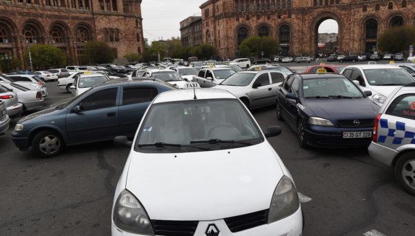 Таксисты-частники