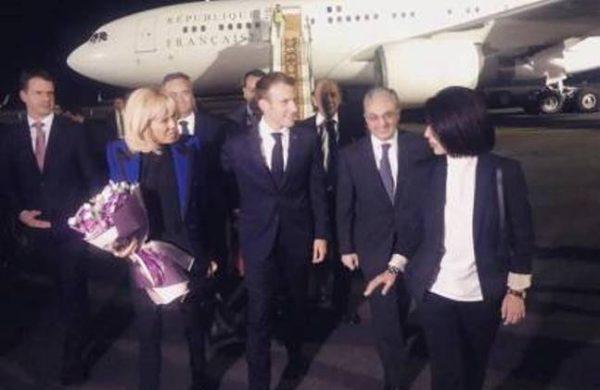 Франции прибыл