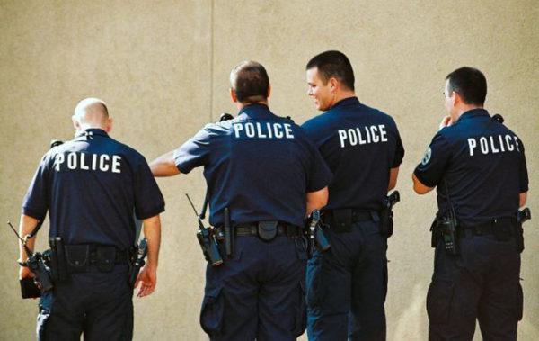 уволили всех полицейских