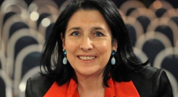Зурабишвили поздравила паству Армянской