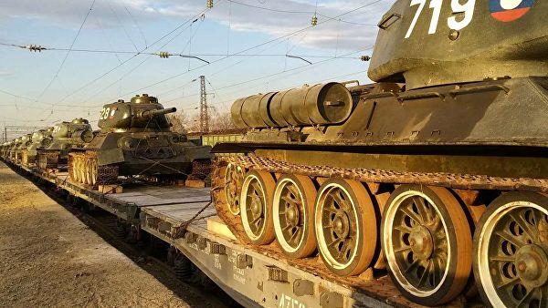Лаоса привезли тридцать танков