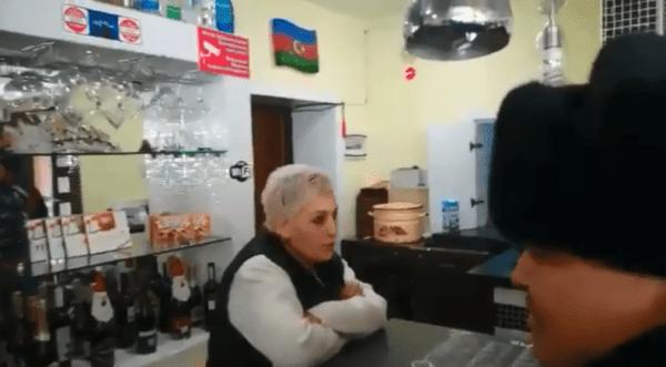 громить кафе Баку