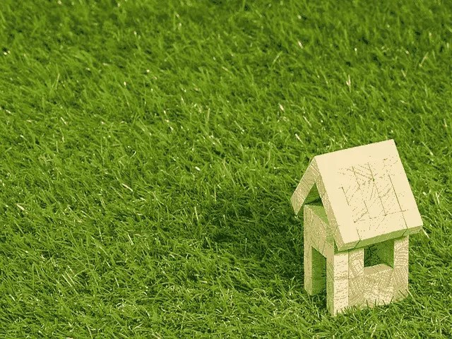 How To Place Artificial Grass Rug In Your Garden