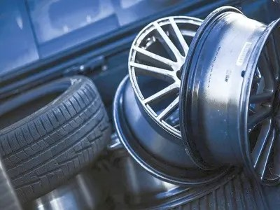 10 Warning Signs You Need to Know When To Change Car Tires 1