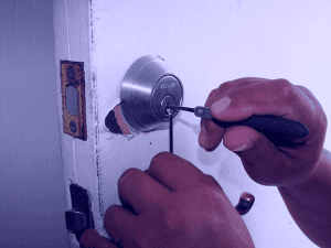 Emergency Locksmith - 6 Tips To Get A Competent One