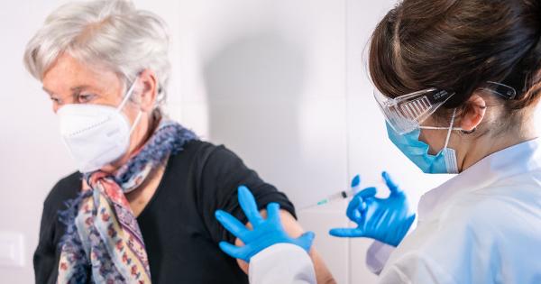 A Emergência das Vacinas para a COVID-19 pode causar efeitos colaterais massivos