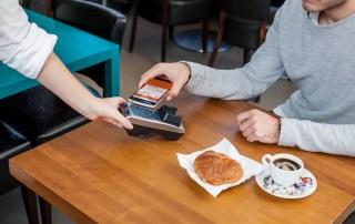 Бесконтактные платежи удвоятся к 2020 году