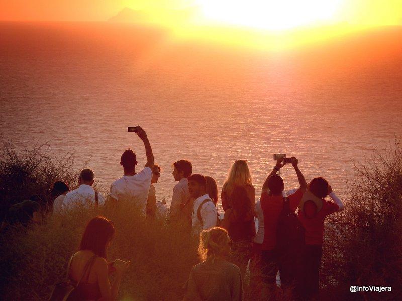 gente_fotografiando_oia_santorini_grecia_verano_2016