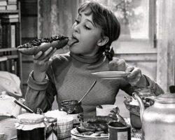 «Девчата» — фильм 1961. Как сложились судьбы героинь легендарного фильма