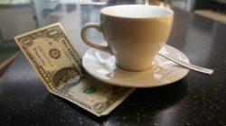 Чаевые: нужно ли давать и сколько