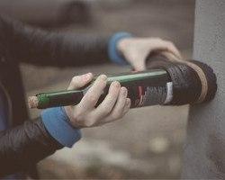 Как открыть бутылку вина без штопора. Простой способ