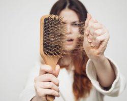 Причины выпадения волос. Почему выпадают волосы?