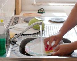 Почему в гостях нельзя мыть посуду. Категорически! Приметы