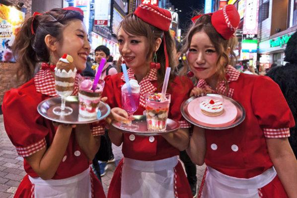 Почему японцы ненавидят туристов