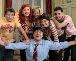 Актеры сериала «Счастливы вместе»: Как они изменились. Тогда и сейчас (фото)