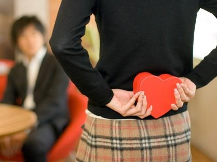 Как признаться в любви мужчине в стихах, прозе и по смс? Красиво до слез!
